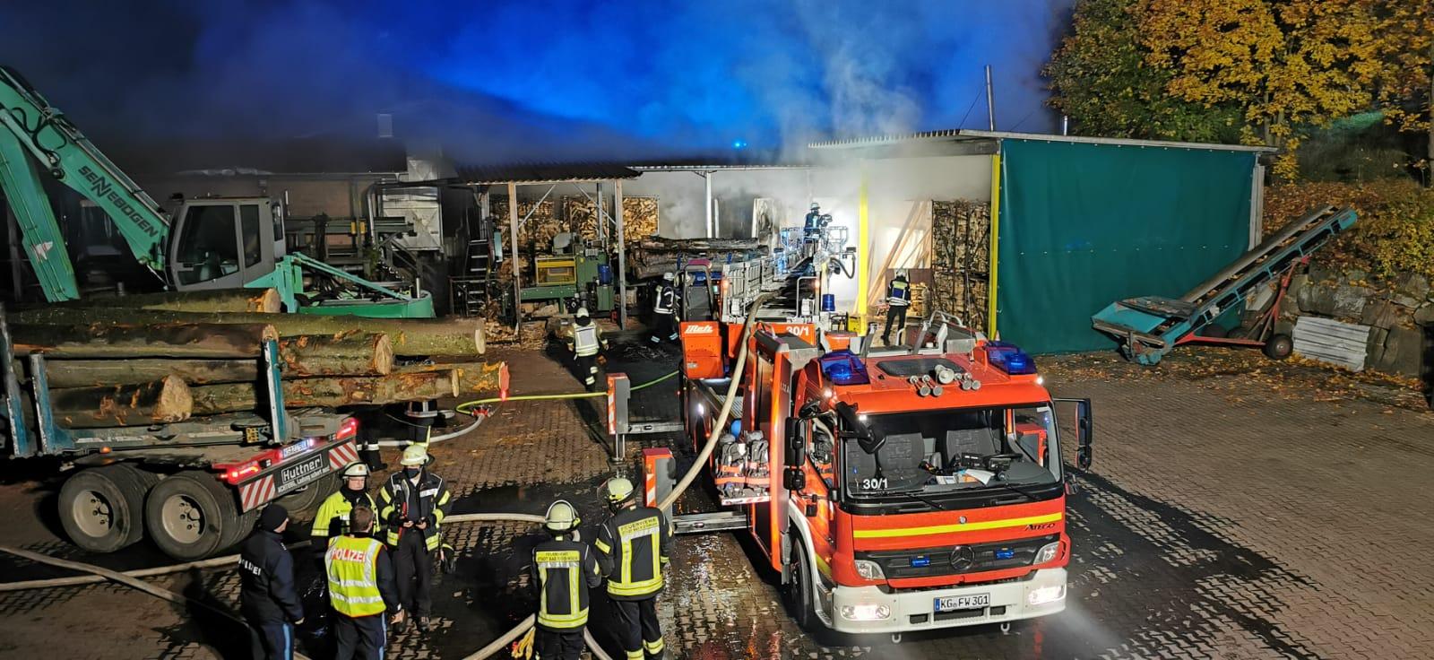 Brand einer Lagerhalle am 22.10.2020 in Zahlbach